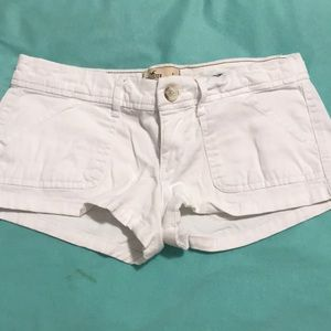 🎉🎉❤️❤️White Hollister Shorts Size 1❤️❤️🎉🎉